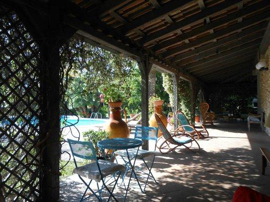 B&B All'Ombra del Palmeto: patio