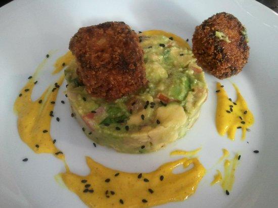 Basic: Würfel vom Iberico mit Avocado
