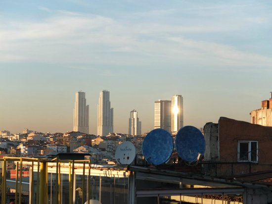 Stay Inn Taksim Hostel: View of the city from shared roof terrace