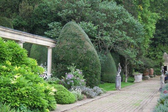 Iford Manor: The Peto Garden: The Peto Garden
