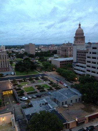 DoubleTree Suites by Hilton - Austin : View of Capital Dome from the balcony of my suite