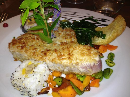 Chez Gilbert: Tuna Steak