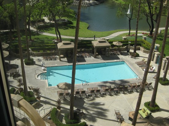 Costa Mesa Marriott: View from Room 517