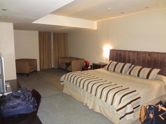 818 Suites : Habitacion