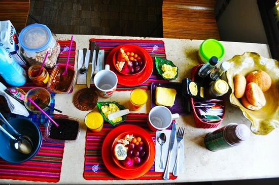 Casa Nuestra Peru B&B: Colored Breakfast