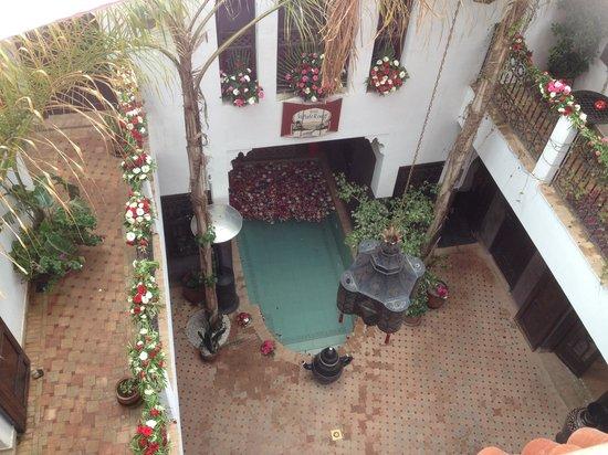 Riad La Porte Rouge: patio vu de haut