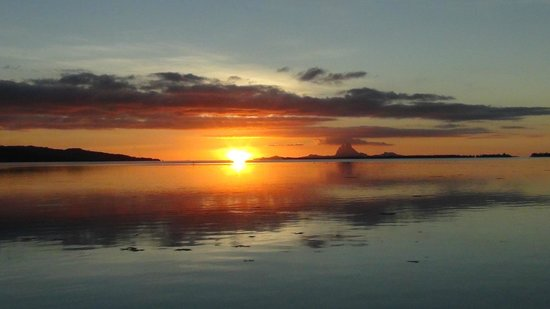 Vahine Private Island Resort: Sunset over Bora Bora