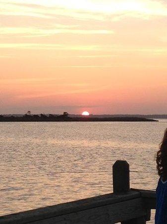 Sugar Creek Seafood Restaurant : sunset