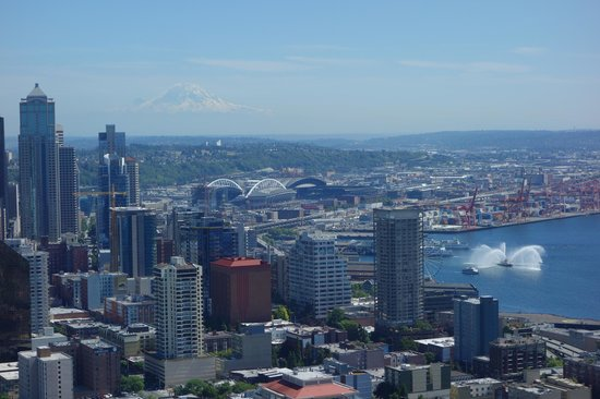 Mayflower Park Hotel: View from restaurant in Space Needle