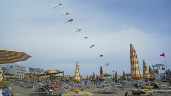 Hotel Rosanna: 12 mile beach with kites