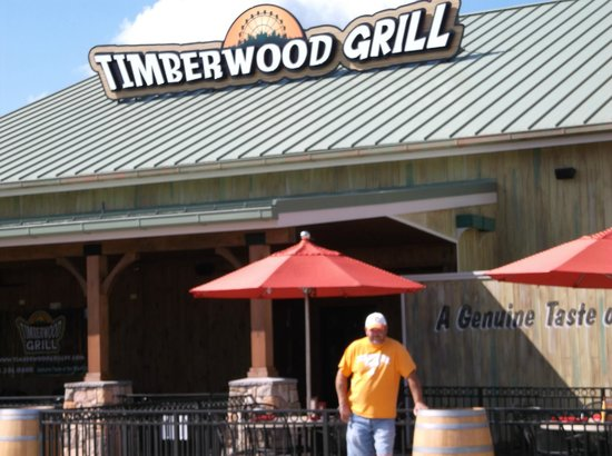 Timberwood Grill Resturant outside dining.
