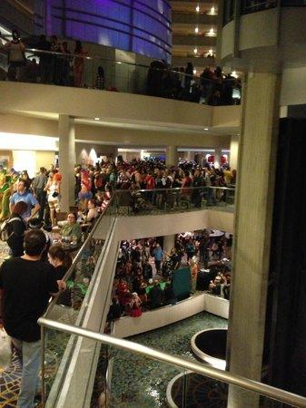 Dragon Con: 3 levels of crowds