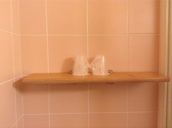 Albergo Acquarello: Retro Pink Tile
