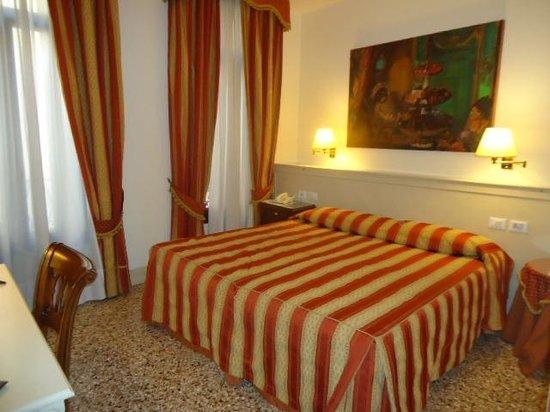 Hotel Bella Venezia: Hab 102