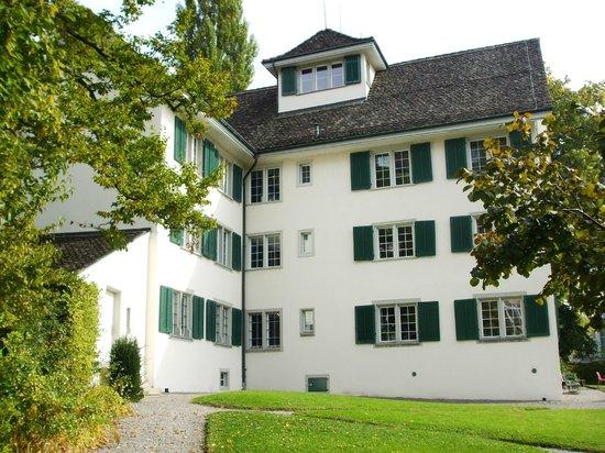 Thomas Mann Archives : Building exterior