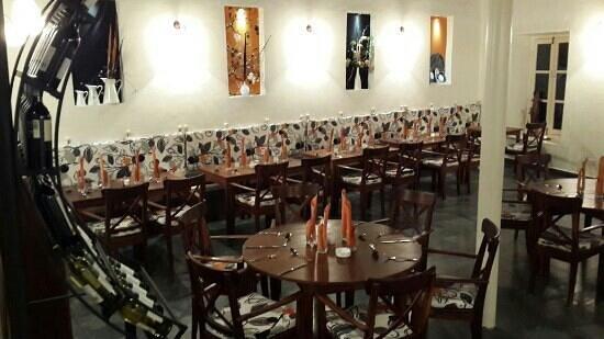 cuisine et mets soignés - photo de loulou restaurant, stone town