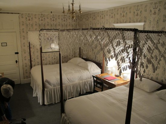 The Red Lion Inn : our bedroom