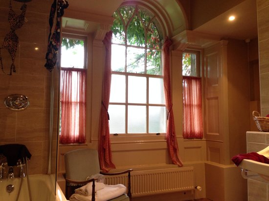 Holbrook House Hotel: The view from the loo!