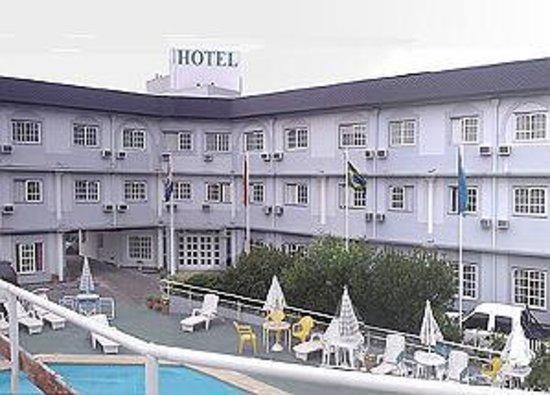Hotel Hoxon: vista de la piscina y las habitaciones