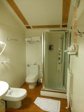 Poiano Resort Hotel: Badezimmer