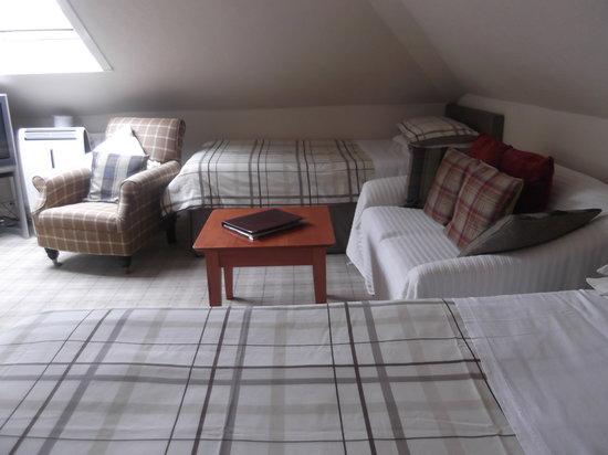 Woodvale B&B: attic family room