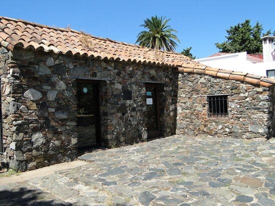 Museo de Azulejos: Amazing 17th Century stone building