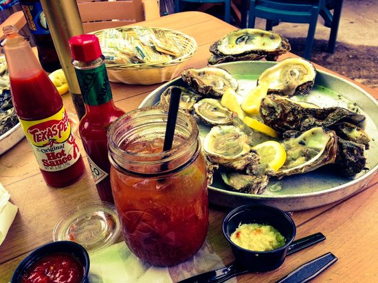 Bernie's Oyster House: Bloody Mary and a dozen oysters
