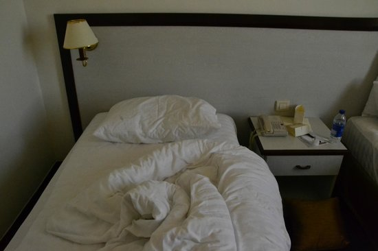 Bristol Hotel: Wide enough to sleep an anorexic model