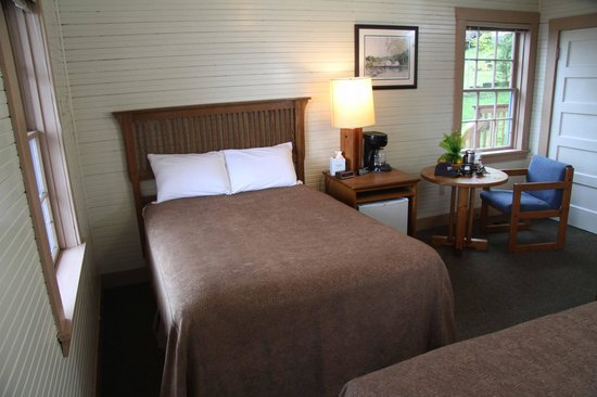Waterfall Resort Alaska: Historic lodge rooms sleep 2 in centrally located comfort