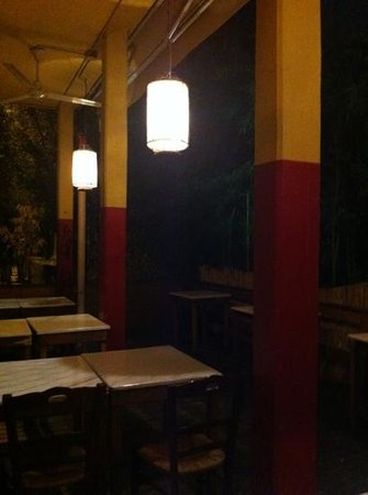 New Cafe Caracol: sala esterna