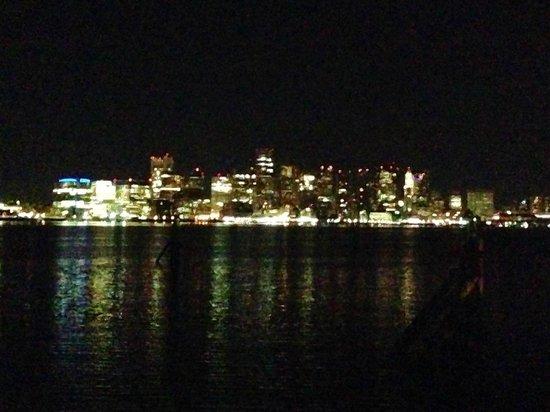 Hyatt Regency Boston Harbor: The Boston city lights