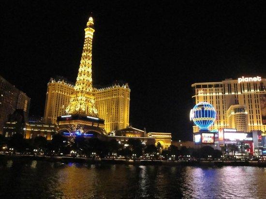 ปารีสลาสเวกัสโฮเต็ล: Vista do hotel pelo Bellagio