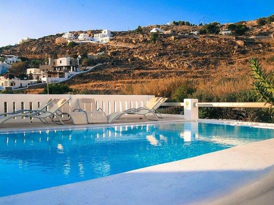 Paolas Beach Hotel Mykonos