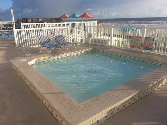 El Caribe Resort Conference Center Hot Tub Area