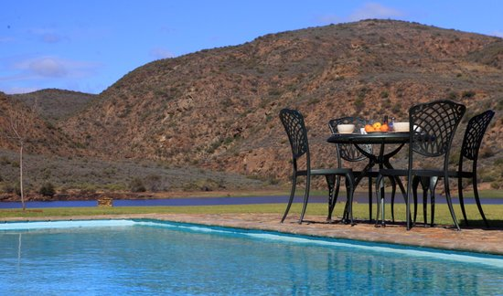Madi-Madi Karoo Safari Lodge: Swimming pool at main lodge