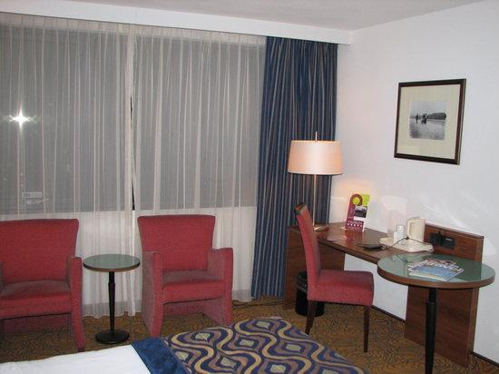 Mercure Hotel Amsterdam City: Bureau in kamer