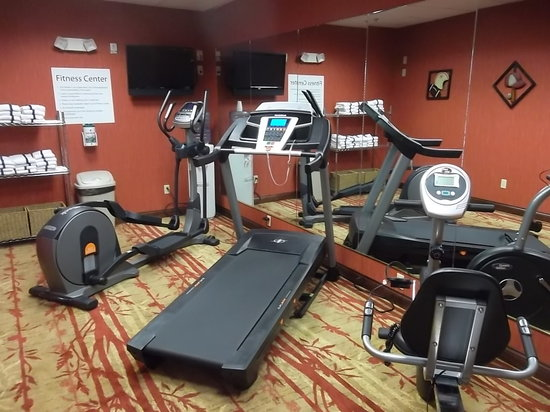 Holiday Inn Express and Suites Hazard: Fitness Center