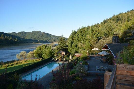 Tu Tu Tun Lodge: Terrace & Pool