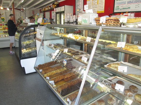 Sun-N-Buns Bakery & Party Shop: Cookie counter