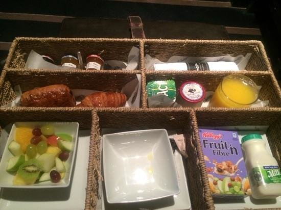 Malmaison Hotel : breakfast delivered to room