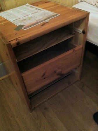 Hotel de Savoie : Le tiroir s'est fait la malle