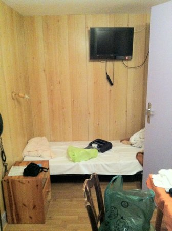 Hotel de Savoie : la prise sur la TV sans commentaires