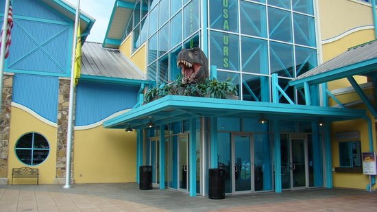 Ripley's Aquarium of the Smokies: Front of building