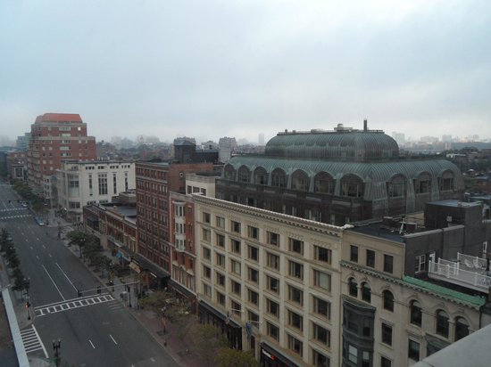 Lenox Hotel : view from our corner suite