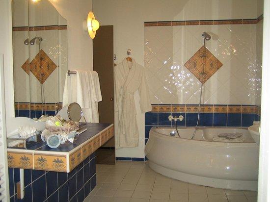 Manoir de la Roseraie : salle de bain