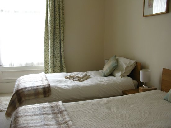 McCraes's B&B: Room