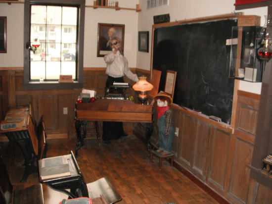 Coopersville Area Historical Society & Museum: Replica of an early schoolroom inside museum