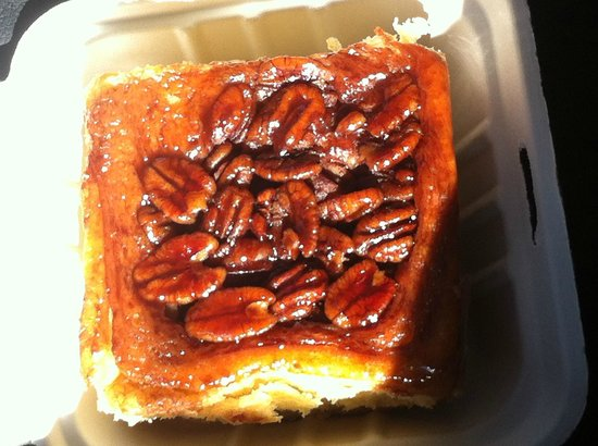 Ted's Bakery : The Pecan Cinnamon Roll