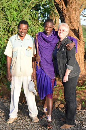 Tawi Lodge: With Bashora (L) and Julius (R) at Tawi
