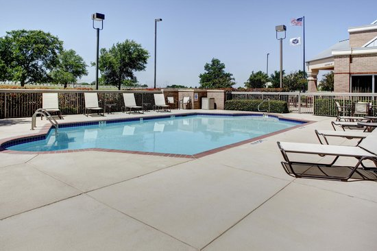 Hampton Inn and Suites North Fort Worth - Alliance Airport: Pool